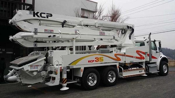 35米小型混凝土泵车